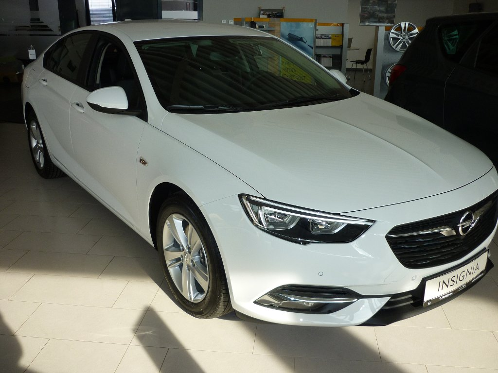 Opel Insignia EDITION - GRAND SPORT