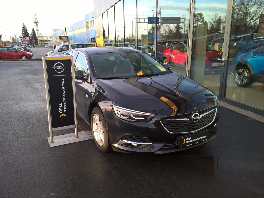 Opel Insignia Innovation 2,0 DTH MT6